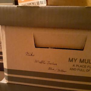 ダイソーの紙製収納ボックスでヴィンテージスニーカーを全足箱入りに
