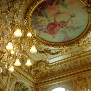 議場の天井がきれいだった