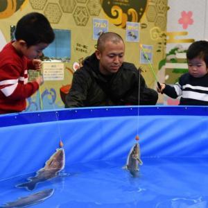 カナロコ by 神奈川新聞『釣りの魅力味わって 相模川ふれあい科学館で企画展』