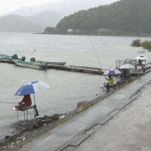 UTYテレビ山梨『釣り解禁の河口湖は東京や埼玉など県外ナンバーの車が目立つ 新型コロナ緊急事態』