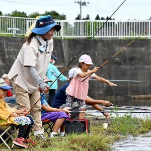 岩手日日新聞社『大物狙い競い合う 奥州で親子釣り大会【岩手】』