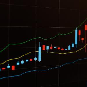 【Python】米国株の株価データを取得する