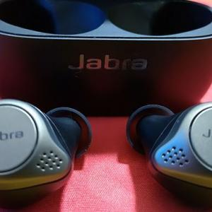 JabraとSONYとSoundPEATS!BTイヤフォン3機種を比較してみた!