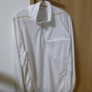 猛暑時に着用する鮎シャツ