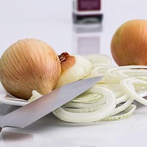時短で早く炒める!簡単10分であめ色玉ねぎを作る方法