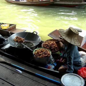 雰囲気抜群!本場タイの家具に囲まれてゆっくりくつろげるおすすめタイ料理レストラン