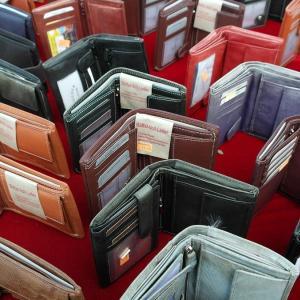 ミニマリスト御用達!小さいバッグでも問題なしのミニ財布をご紹介!!