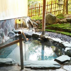 貸切露天風呂が嬉しいお風呂自慢の温泉宿 石川県加賀市「山中温泉 翠明」