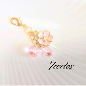 【ミンネ販売中】桜の花びらののミニチャームを作りました
