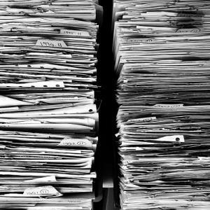 家庭の書類整理はすぐやるのがコツ! 散らからない家の書類分類・保管・断捨離