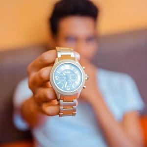 腕時計いらない?ミニマリストが愛用するセイコーWIRED