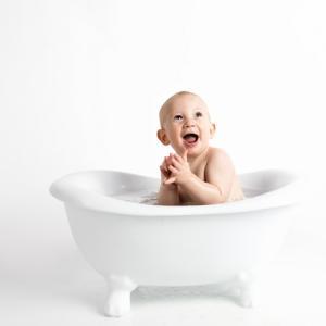 【ワンオペ】一人で赤ちゃんをお風呂に入れる手順