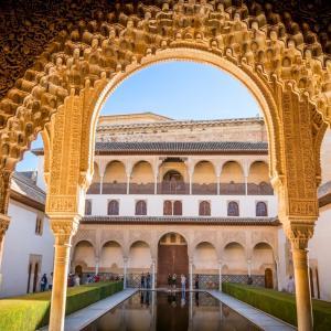 タレガ「アルハンブラ宮殿の思い出」【クラシック音楽を楽しむ3つの方法】
