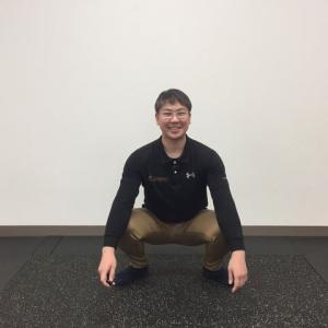 ひざ倒し体操