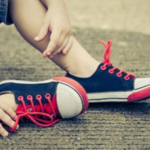 子どもが内股で歩き方が気になる
