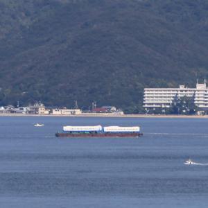 新幹線を運ぶ船