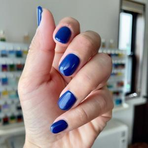 ロイヤルブルー。直感の色。