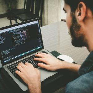 ITエンジニア未経験者がプログラム覚えるための手段5選