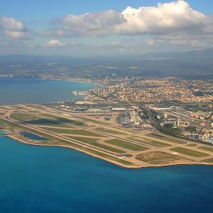 『着陸風景が美しい世界の空港』結果は…