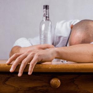 【アルコールは要注意!】飲酒が睡眠に与える影響を徹底解説|マクログ