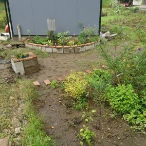 セカンドガーデン ミニ花壇を試作
