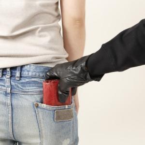 不景気になると窃盗等の犯罪が増えるので防犯に注意!