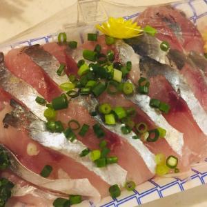 駅チカのお魚屋さん!魚よしのお刺身で晩ごはん