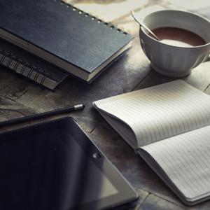 銀行員が副業をするならこっそりブログからやるといいですよ|【早い・易い・旨い】の3つ利点あり