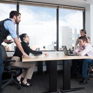 【WW35 初外資系転職におすすめ求人】Amazon (東京・埼玉・成田・札幌・名古屋・福岡), AWS, Apple(各地Apple Store), Salesforce(東京・大阪)
