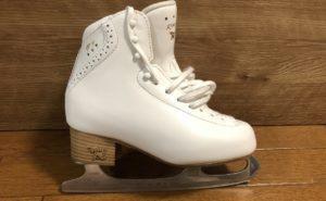アイスダンス用のスケート靴に買い替えました~