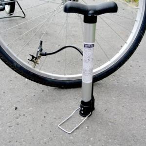 クロスバイクに便利な空気入れ