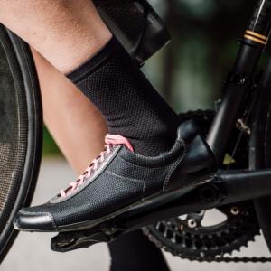 サイクリングに適しているシューズはどれ?スニーカーからビンディングシューズまで紹介!