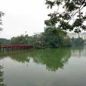 ハノイ市民の憩いの場『ホアンキエム湖』
