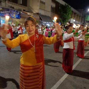 チェンマイの『ローイクラトン祭り』前夜祭