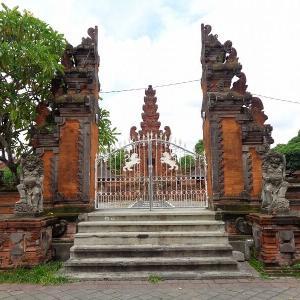 バリ島の旅『デンパサールのヒンドゥー教寺院』