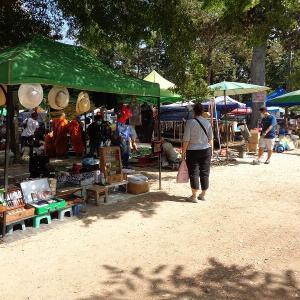 チェンマイの面白い市場『週末ガラクタ市』