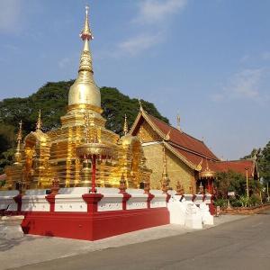 タンブン(徳を積む)で有名なお寺『ワット・チャイモンコン』