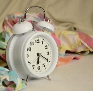 アラプラス深い眠りで眠りの質は変わるのか?!効果は?値段は?