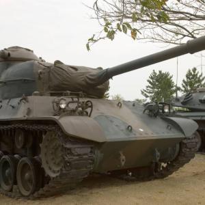 日本のユーチューバーが「戦車」で松屋に行った結果!【タイ人の反応】