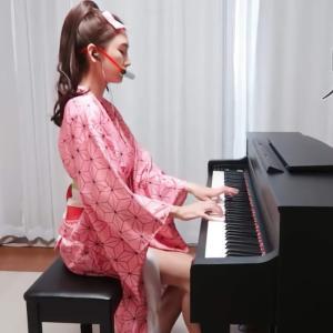 日本のアニメ『鬼滅の刃』のコスプレでピアノを弾く韓国美女「Leezy」がセクシーで可愛すぎる!【台湾人の反応】