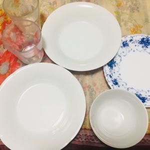 前のお皿たち