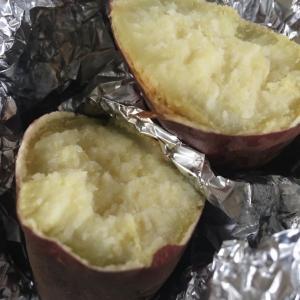 今日のおやつは焼き芋