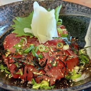 串本の水門まつりで食べたキハダまぐろ丼定食はマグロたっぷりで満足できる美味しさ