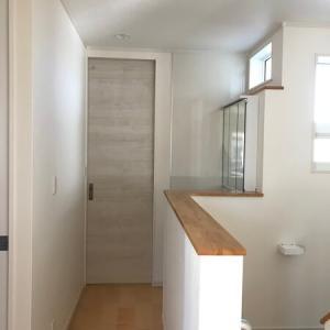 【WEB内覧会12】2階の廊下、洗面(LIXIL)、トイレ(LIXIL)【仕様、写真】