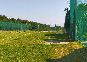 都会と田舎のゴルフ練習場事情