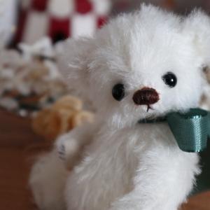 最後はホワイトカラーのちびベアちゃん(グリーンリボン)です☆