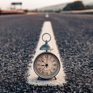 社会人にとってお金よりも大切なリソース、それは時間です