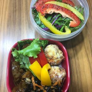 朝に足りない野菜はお昼にチョイス!黄金バランスはこんな感じで食べています。