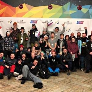 島のスノーボーダーはロシアカップでメダルを獲得しました