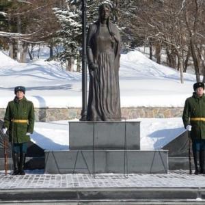 アフガニスタン侵攻から31年「悲しみの母」像の記念碑でセレモニーが行われました
